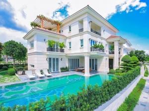Biệt thự Sala với mẫu thiết kế có hồ bơi riêng.